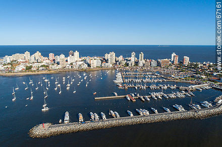Aerial photo of the port of Punta del Este - Photographs of the port of Punta del Este - Punta del Este and its near resorts - URUGUAY. Image #67161