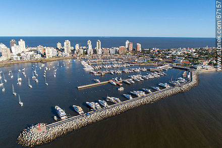 Aerial photo of the port of Punta del Este - Photographs of the port of Punta del Este - Punta del Este and its near resorts - URUGUAY. Image #67157