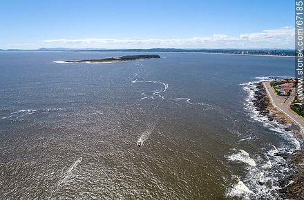 Aerial view of Rambla Artigas and Gorriti Island - Photos of the open sea - Punta del Este and its near resorts - URUGUAY. Image #67185