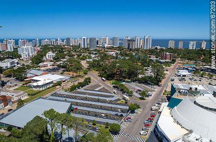 Foto aérea de Punta Shopping - More photos of Punta del Este - Punta del Este and its near resorts - URUGUAY. Image #67203