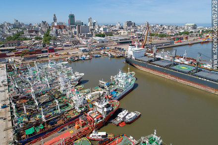 Aerial photo of the port of Montevideo with background of the Old City - Photos of the Port area - Port of Montevideo, URUGUAY. Image #67228
