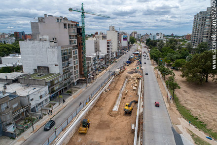 Aerial view of the construction of the tunnel on Italia Avenue under Ricaldoni and Centenario Avenues - Photos of Parque Batlle quarter - Department and city of Montevideo - URUGUAY. Image #67240