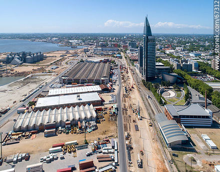 Aerial photo of the works in the South America Rambla. View to the north. January 2020 - Photos of the Port area - Port of Montevideo, URUGUAY. Image #67312