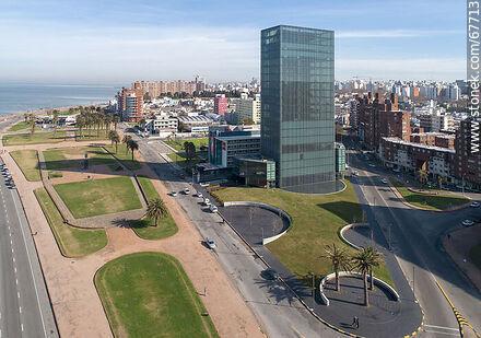 Aerial view of Ing. Carlos María Morales and La Cumparsita streets - Photos of Barrio Sur (South quarter) - Department and city of Montevideo - URUGUAY. Image #67713