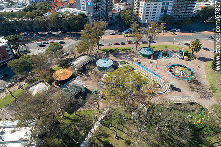 Aerial view of the play area based on electrical energy closed by covid pandemic - Photos of Parque Rodo and Playa Ramirez - Department of Montevideo - URUGUAY. Image #67827