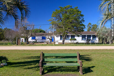 Pueblo Edén School No. 30 - Photos of Pueblo Edén and surroundings - Department of Maldonado - URUGUAY. Image #68074