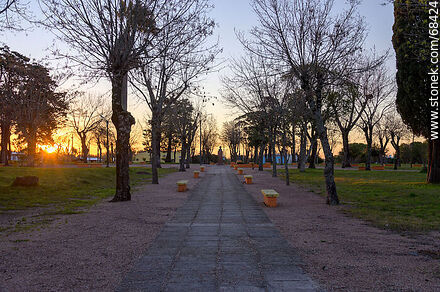 The square at sunset - Photos of the village of Ituzaingo - San José - URUGUAY. Image #68424