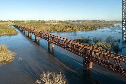 Aerial view of the railroad bridge that crosses the Santa Lucía River. Border between Canelones and Florida - Fotos en 25 de Agosto - Department of Florida - URUGUAY. Image #68533