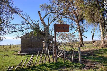 Old stop at Km 269 of the railroad that went to Km 329 - Durazno - URUGUAY. Photo #69042