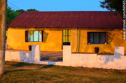 Typical house of Conchillas - Photos of Balneario Conchillas - Department of Colonia - URUGUAY. Image #69565