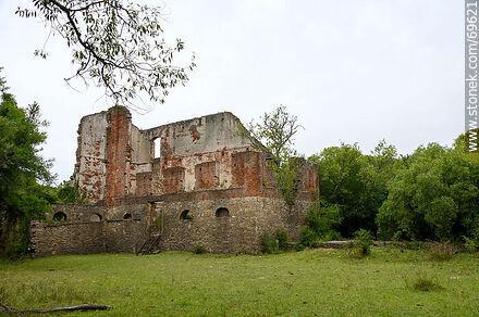 Molino Quemado. Remains of the construction - Photos of Nueva Helvecia - Department of Colonia - URUGUAY. Image #69621