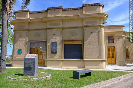 Building where on July 3, 1927 women voted for the first time in South America - Photos of Cerro Chato, Durazno - Durazno - URUGUAY. Image #69930