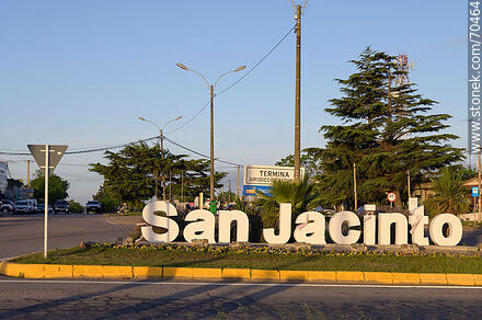 San Jacinto sign at the intersection of Routes 7 and 11 - Department of Canelones - URUGUAY. Photo #70464