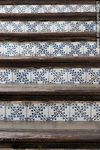 Foto #44621 - Staircase with tile risers.