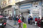Foto #52372 -  Queue of people on a street in La Paz