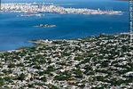 Foto #58135 - Aerial view of the eastern slope of Cerro, bay and city