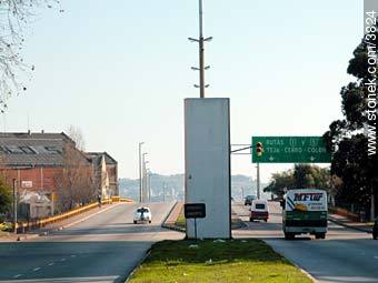 Entrance to west access to Montevideo - Photos of Capurro - Department and city of Montevideo - URUGUAY. Image #3824