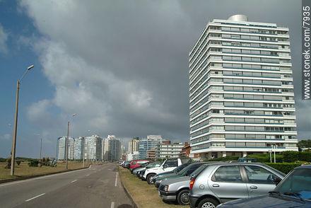 Photos of promenades - Punta del Este and its near resorts - URUGUAY. Image #7935