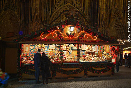 Christmas fair in Strasbourg. - Photos of Strasbourg - Region of Alsace - FRANCE. Image #29231