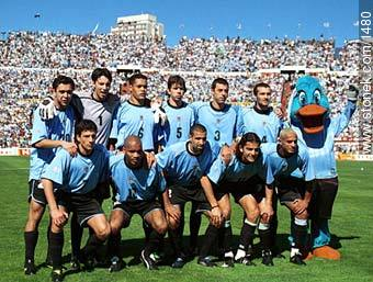 Photos of the Match Uruguay - Australia 2002 - URUGUAY. Image #1480