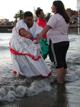 Photos of the celebration in the day of Iemanja, URUGUAY. Image #1582