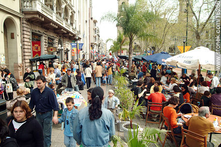 Sarandi pedestrian street - Photos of typical scenes, miscellany, activities., URUGUAY. Image #16266