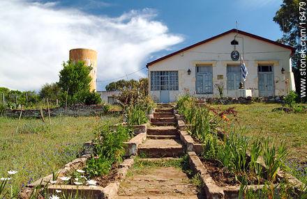Carlos Gardel school - Photos of Valle Edén - Tacuarembo - URUGUAY. Image #16479