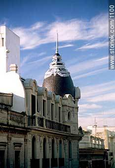 25 de Mayo and Zabala streets - Photos of the Old City - Department and city of Montevideo - URUGUAY. Image #1100
