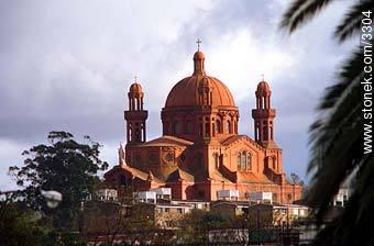 Iglesia del Cerrito. Church. - Photos of Cerrito de la Victoria - Department and city of Montevideo - URUGUAY. Image #3304