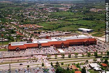 Photos of shopping malls - Department and city of Montevideo - URUGUAY. Image #2634
