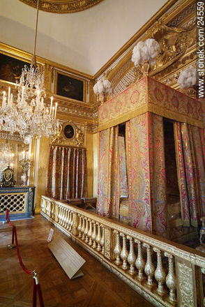 Photos of Versailles Palace and surroundings - Paris - FRANCE. Image #24559