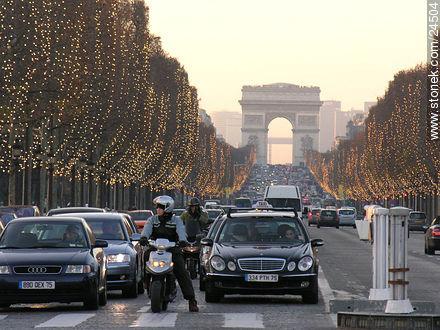 Photos of Place de la Concorde and surroundings - Paris - FRANCE. Image #24504
