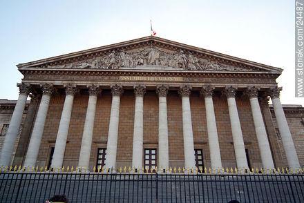 Asamblee Nationale - Photos of Place de la Concorde and surroundings - Paris - FRANCE. Image #24487
