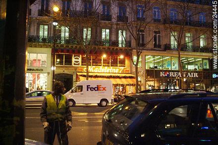 Photos of la Madeleine - Paris - FRANCE. Image #24445