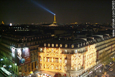 Photos of Garnier's Opera and Lafayette stores - Paris - FRANCE. Image #24383