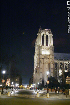 Photos of the Notre Dame Cathedral, FRANCE. Image #24378