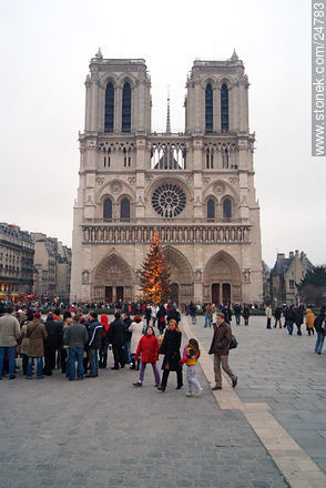 - Photos of the Notre Dame Cathedral, FRANCE. Image #24783