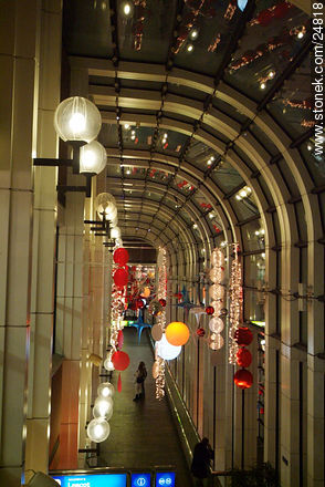 - Photos of the Pompidou Center and surroundings - Paris - FRANCE. Image #24818