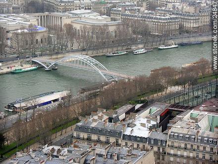 - Photos of Montmarte, Basilica of Sacret Heart - Sacre Coeur, Moulin Rouge, etc. - Paris - FRANCE. Image #24847