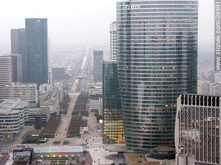 - Photos of the area of La Défense - Paris - FRANCE. Image #24991