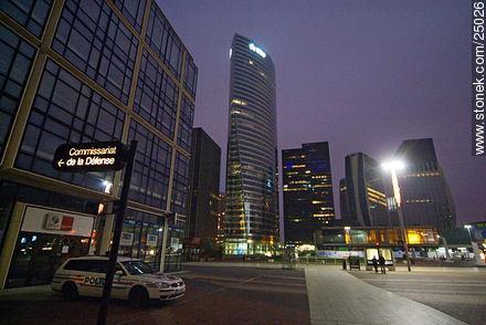 - Photos of the area of La Défense - Paris - FRANCE. Image #25026