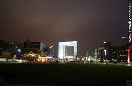 - Photos of the area of La Défense - Paris - FRANCE. Image #25033