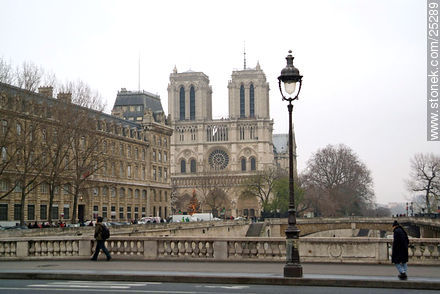 Photos of the Notre Dame Cathedral, FRANCE. Image #25289