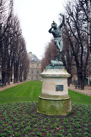Photos of the Gardens of Luxembourg - Paris - FRANCE. Image #25297