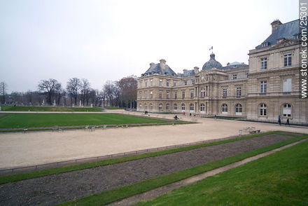 Photos of the Gardens of Luxembourg - Paris - FRANCE. Image #25301