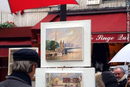 Photos of Montmarte, Basilica of Sacret Heart - Sacre Coeur, Moulin Rouge, etc. - Paris - FRANCE. Image #25837