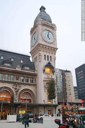 Photos of  Lyon Station (Gare de Lyon) - Paris - FRANCE. Image #26145