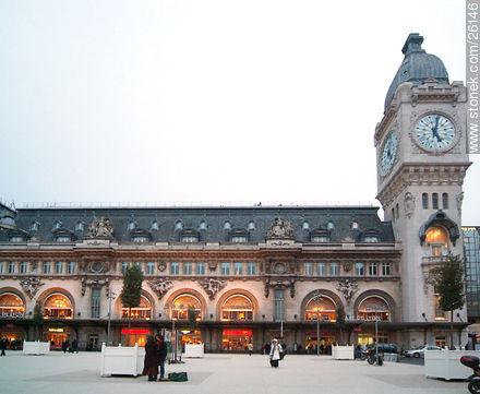 Photos of  Lyon Station (Gare de Lyon) - Paris - FRANCE. Image #26146