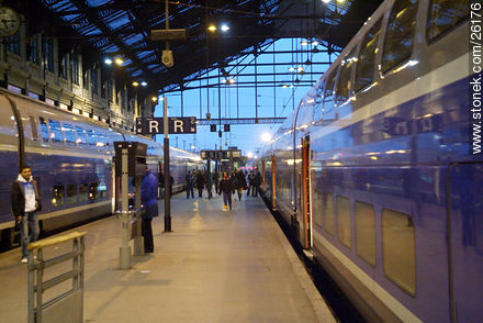 Photos of  Lyon Station (Gare de Lyon) - Paris - FRANCE. Image #26176