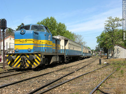 Penarol train station - Photos during the Heritage Day - 2006 - Department and city of Montevideo - URUGUAY. Image #23021